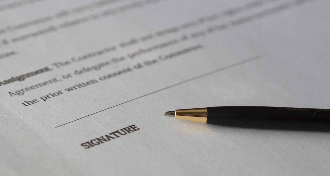 הסכם בכל התקשרות עם לקוח או ספק חובה או זכות?